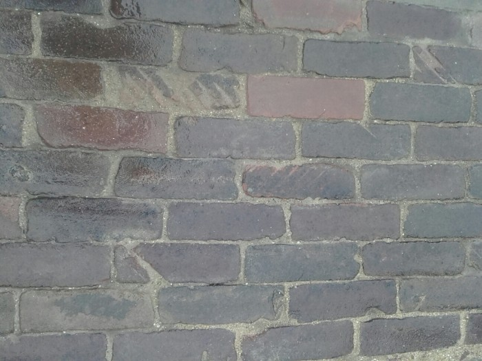 Oude hardgebakken dikformaten Delft, paars genuanceerd 1.jpg