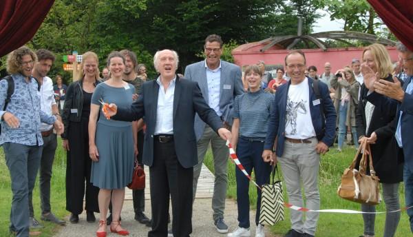 Opening door Herman van Veen.jpg